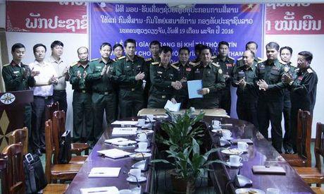 Viet Nam ho tro trang bi, khi tai thong tin cho quan doi Lao - Anh 1