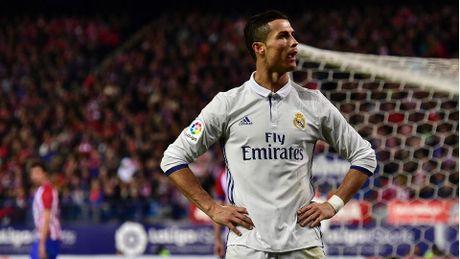 Ronaldo ghi danh lich su sau cu hat-trick vao luoi Atletico - Anh 1
