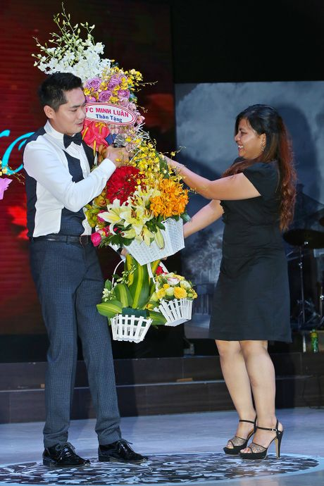Lan Ngoc den ung ho dem nhac cua ban trai Minh Luan - Anh 5