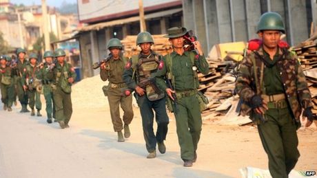 Giao tranh du doi gan bien gioi Myanmar - Trung Quoc - Anh 1