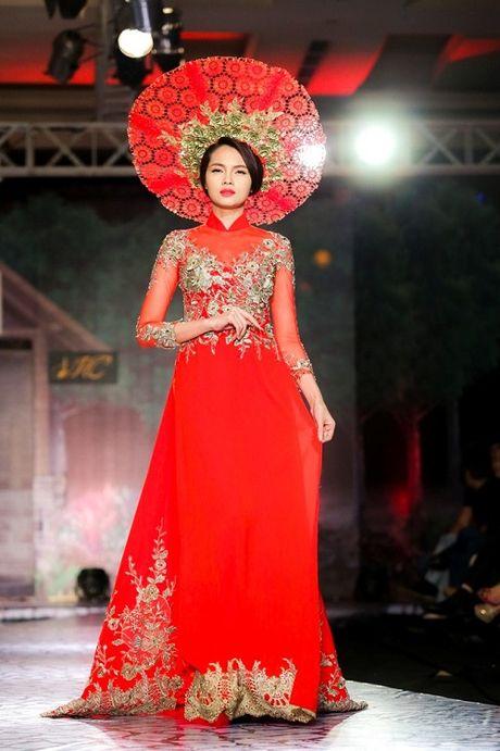 Diem Huong, Truong Thi May kho so vi doi man 'khung' - Anh 13