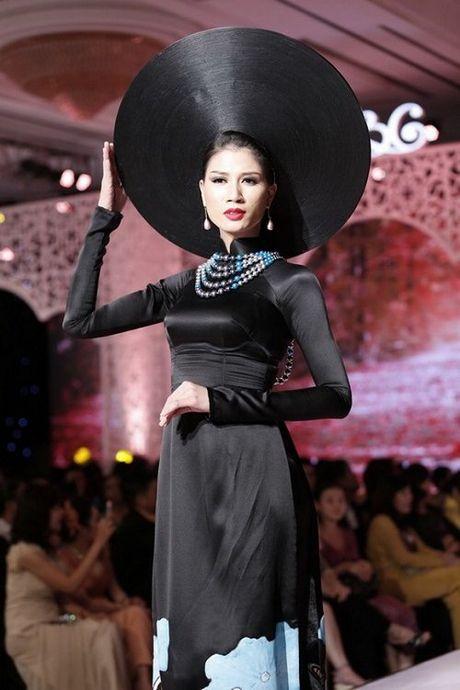 Diem Huong, Truong Thi May kho so vi doi man 'khung' - Anh 4