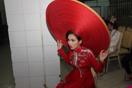 Diem Huong, Truong Thi May kho so vi doi man 'khung' - Anh 7