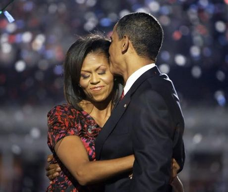 Khoanh khac ngot ngao den 'rung tim' cua vo chong Obama - Anh 1