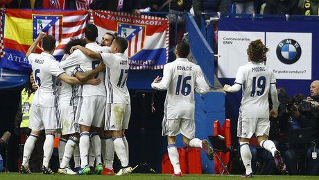 Trong tai xu dep Barca va Atletico, trao luon Cup cho Real? - Anh 3