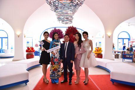 Hoa hau Viet Nam khoe sac tai Resort 'Dia Trung Hai' Da Nang - Anh 1