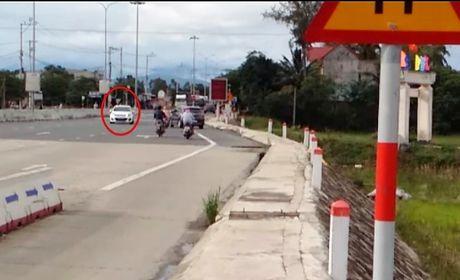 O to vo tu noi duoi nhau chay nguoc chieu QL1 Quang Nam - Anh 4