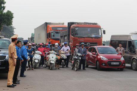 Bac Giang: Hang tram lai xe xuong duong tuong niem nan nhan TNGT - Anh 1