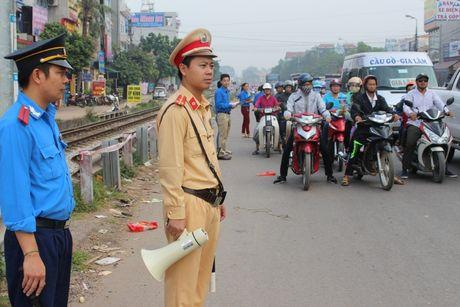 Bac Giang: Hang tram lai xe xuong duong tuong niem nan nhan TNGT - Anh 2