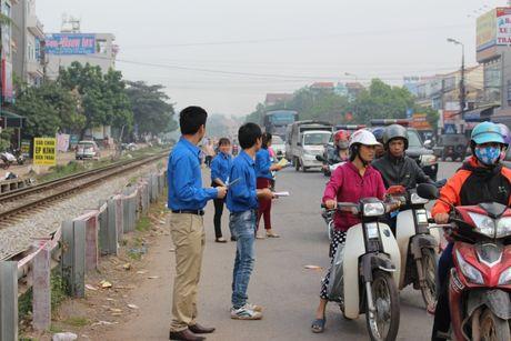 Bac Giang: Hang tram lai xe xuong duong tuong niem nan nhan TNGT - Anh 3