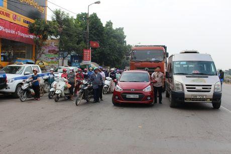 Bac Giang: Hang tram lai xe xuong duong tuong niem nan nhan TNGT - Anh 4