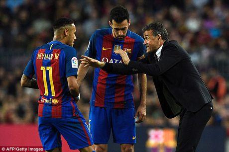 Vang Messi va Suarez, Barcelona hoa that vong Malaga - Anh 3