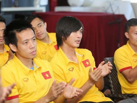 Tuan Anh chua chan thuong tai Thai Lan, cuu danh thu Dusit lam cau noi - Anh 1