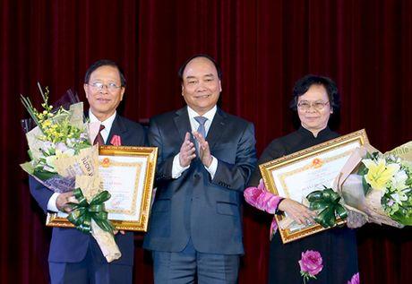 Thu tuong Nguyen Xuan Phuc: Ky niem Ngay 20/11 luon la su kien giau cam xuc - Anh 2