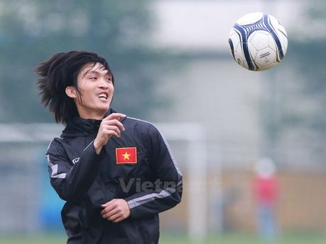 HLV Le Thuy Hai: 'Hang thu long leo nhung Cong Vinh dang cap' - Anh 1