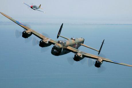 Su dang so cua may bay nem bom Avro Lancaster Mk. X noi tieng - Anh 6