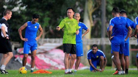 HLV tuyen Malaysia yeu cau doi nha 'lot xac' khi doi dau Viet Nam - Anh 1