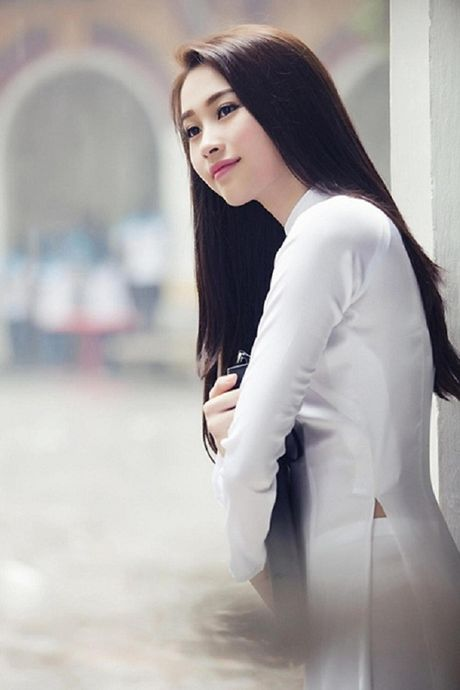Ngan ngo ngam giai nhan Viet tha dang voi ta ao trang - Anh 1