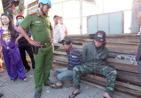 Vu cong an cho dan muon xe di ruoc dau: 'Chung toi cam on CA My Tho' - Anh 2