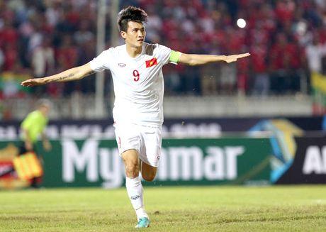 Thuy Tien khoe con gai giau mat biet khan cho bo Cong Vinh ghi ban - Anh 1