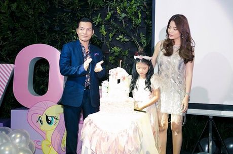 Truong Ngoc Anh cung Tran Bao Son mung sinh nhat con gai - Anh 1