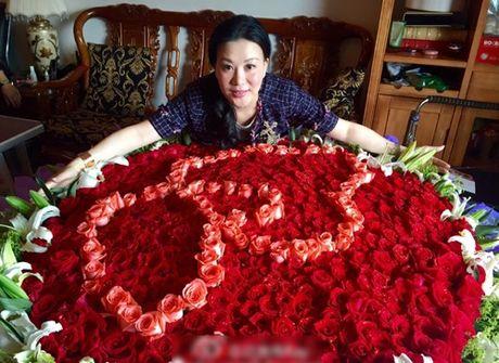 'Trien Chieu' sinh o Viet Nam gio la dai gia sieu giau - Anh 6