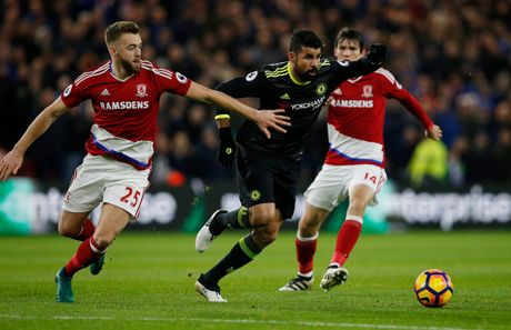 Costa ghi ban thu 10, Chelsea len ngoi dau Ngoai hang Anh - Anh 4