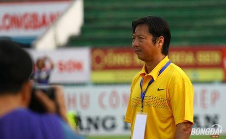 Le Huynh Duc noi gi khi bi Cong Vinh san bang thanh tich? - Anh 1