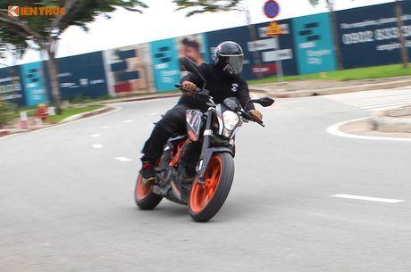 Cam lai 'xe no' KTM Duke 390 gia 155 trieu tai VN - Anh 19
