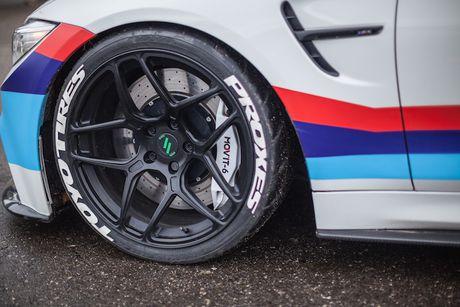 BMW M4 do 'sieu khung' danh cho dan truot tuyet - Anh 4