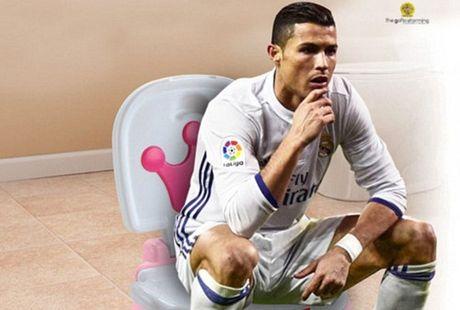 Ronaldo lai bi che gieu ve cach an mung moi - Anh 2