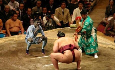 Ronaldo lai bi che gieu ve cach an mung moi - Anh 3