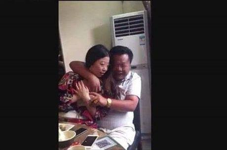 Vu dang facebook bia dat ve giao vien: Xu phat hanh chinh chu tai khoan - Anh 1