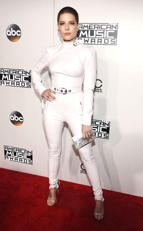 Tham do AMA 2016: Selena Gomez dep long lay trong ngay tro lai - Anh 5