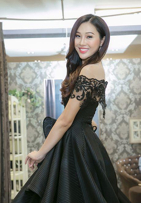 Dieu Ngoc di chon vay da hoi chuan bi thi Miss World - Anh 4