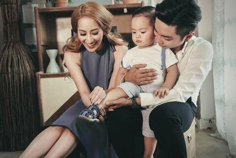Phan Hien - Khanh Thi: Cap doi lech 12 tuoi hanh phuc cua showbiz Viet - Anh 2