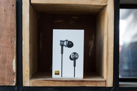 Mo hop tai nghe Xiaomi Piston Pro gia 750.000VND - Anh 2