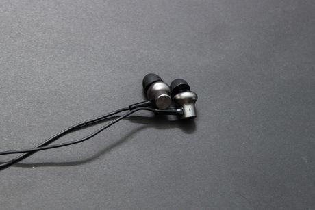 Mo hop tai nghe Xiaomi Piston Pro gia 750.000VND - Anh 8