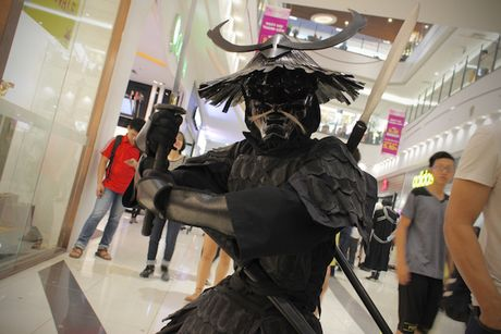 Cosplayer bien Aeon Mall Ha Noi thanh 'the gioi truyen tranh' - Anh 19