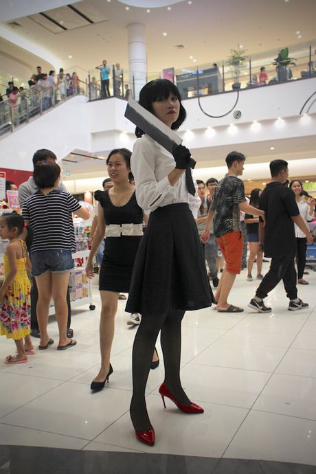Cosplayer bien Aeon Mall Ha Noi thanh 'the gioi truyen tranh' - Anh 9