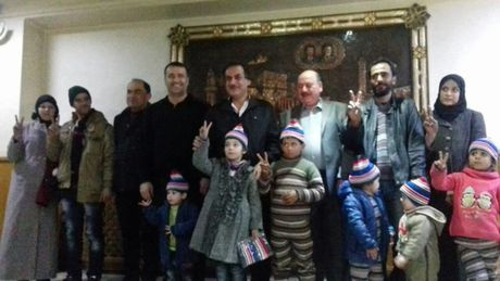 'Ho Syria' can quet chien binh tu vi dao, quan doi Syria khong che dong Aleppo - Anh 2