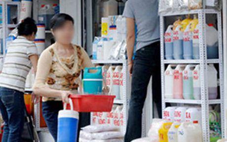 TP HCM: Gan camera giam sat giao thuong tai cho hoa chat 'than chet' - Anh 1