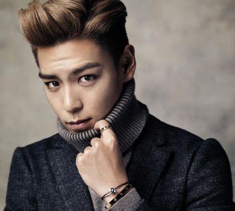 T.O.P (Big Bang) va Junsu (JYJ) nhap ngu cung mot ngay - Anh 1
