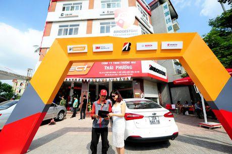 Bridgestone Viet Nam dong hanh cung tai xe Viet lan banh an toan - Anh 1