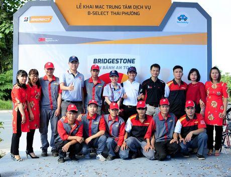 Bridgestone Viet Nam dong hanh cung tai xe Viet lan banh an toan - Anh 3
