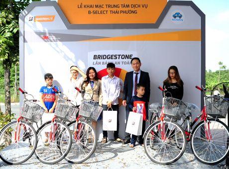 Bridgestone Viet Nam dong hanh cung tai xe Viet lan banh an toan - Anh 4