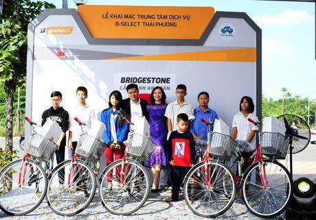 Bridgestone Viet Nam dong hanh cung tai xe Viet lan banh an toan - Anh 5