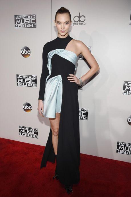 Lady Gaga cung Selena Gomez 'knock-out' dan sao ngoai tren tham do AMAs 2016 - Anh 12