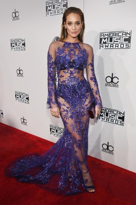 Lady Gaga cung Selena Gomez 'knock-out' dan sao ngoai tren tham do AMAs 2016 - Anh 7