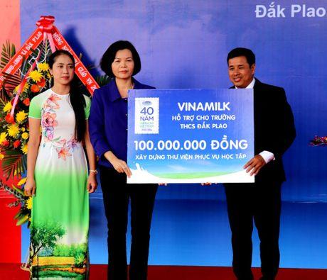 Vinamilk mang sua den voi tre em ngheo Dak Nong - Anh 3
